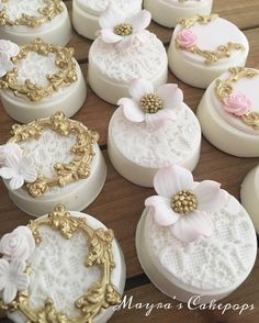These cookies are GORGEOUS! Almost too pretty to eat
