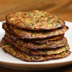 Zucchini Hash Browns Recipe by Tasty Cauliflower Hash Brown Recipe, Hash Browns, Healthy Zucchini, Zucchini Fritters, Veggie Recipes, Cooking Recipes, Food Videos, Healthy Dinner Recipes, Zucchini
