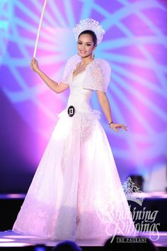 Filipina Terno winning costume for bb pilipinas 2014 Modern Filipiniana Gown, Oriental Fashion, Oriental Style, Philippines Culture, Cleopatra Costume, Beauty Pageant, Ball Dresses, Barbie Clothes, Filipina
