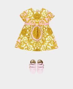 Discover fashion Clothing, apparel and accessories for your Baby Girls from the Versace Children's months Collection. Shop on the Versace Online Store. Versace Fashion, Versace Dress, Baby Girl Fashion, Toddler Fashion, Versace Furniture, Versace Kids, Gucci Kids, Luxury Baby Clothes, Versace Eyewear
