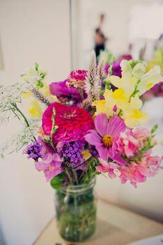 lovely bright flowers // photo by Khaki Bedford // view more: http://ruffledblog.com/khaki-bedford-jeff-susan-bl/