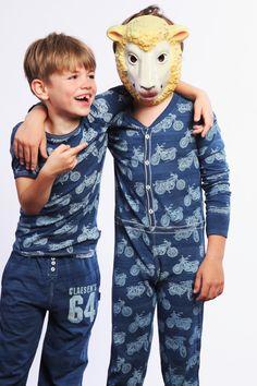 Een heerlijke onesie voor mijn zoontje om in te slapen.