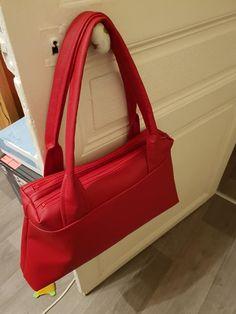 Sac City Zip-Zip simili rouge cousu par Aurélie - Patron Sacôtin