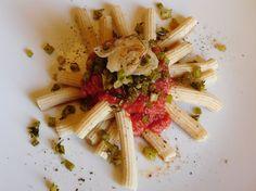 """Pomodoro & Pasta 2.0 - In Cucina con il Cuore 2016: Visioni dalla cucina in là con """"Sedani lunghi alla Rustichella piccante con sedani caramellati alla santoreggia e lardo croccante"""""""