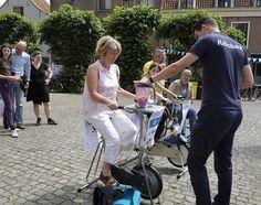 How to live healthy? Visitors of the event Leiden Lives learn it today. | Hoe leef je zo gezond mogelijk? Bezoekers van Leiden Leeft leren het vandaag.  #Leiden #Health #Students #Life #HealthyLife #Fit #Green #LeidenUniversity #UniversiteitLeiden #Gezond #GezondLeven
