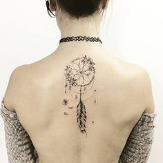 ▷ 1001 + ideas for a cute and elegant dream catcher tattoo back tattoo, floral dreamcatcher, woman wearing a grey cardigan, black choker, wolf dreamcatcher tattoo Dream Tattoos, Mini Tattoos, Sexy Tattoos, Cute Tattoos, Beautiful Tattoos, Body Art Tattoos, Small Tattoos, Tattoos For Women, Tatoos