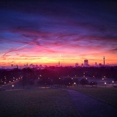 BEAUTIFUL view of Primrose Hill taken by mikerolls on Instagram. I love London!