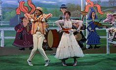 20 mei 2013:  Supercalifragilisticexpialidocious. Foto: Julie Andrews als Mary Poppins en Dick Van Dyke als Bert / Mr. Dawes Senior zingen Supercalifragilisticexpialidocious in  Mary Poppins (1964)