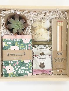 Box and Bow is a boutique gifting studio, crafting uniquely packaged gifts for client, corporate, workshops, weddings, custom design and occasions.