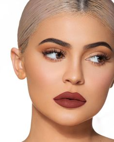 kylie jenner makeup Make Up; Look; Make Up Looks; Make Up Augen; Make Up Prom;Make Up Face; Kiley Cosmetics, Nyx Cosmetics, Makeup Trends, Makeup Inspo, Makeup Ideas, Makeup Style, Velvet Teddy Mac, Kylie Jenner Makeup Look, Kylie Jenner Eyebrows