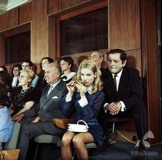 Przygoda z piosenką [1968] Retro Style, Poland, Retro Fashion, Actresses, Female Actresses, Retro Styles, Fashion Vintage, Shabby Chic Style