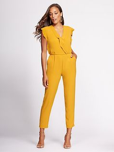 Gabrielle Union Collection - Wrap Jumpsuit - New York & Company Easy for Lecture or Lab, one pieces are easy to put on and go. Throw on a fitted blazer, stud earrings and have your hair in a bun for an extra chic look. Diy Outfits, Grunge Outfits, Simple Outfits, Yellow Jumpsuit, Wrap Jumpsuit, Jumpsuit Outfit, Summer Jumpsuit, Jumpsuit Dressy, Denim Jumpsuit