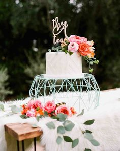 Textured Wedding Cakes, Wedding Cake Fresh Flowers, Small Wedding Cakes, Wedding Bows, Wedding Cake Designs, Boho Wedding, Dream Wedding, Wedding Dresses, Geometric Cake