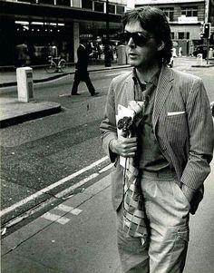 """A pinner said """"Sir Paul McCartney with my flower. ;-)"""