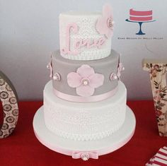 All you need is LOVE! - Cake by Cake Design by Holly Miller