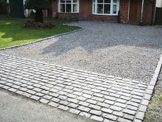 Inspiring Driveway Ideas with Pavers for an Amazing Home Exterior