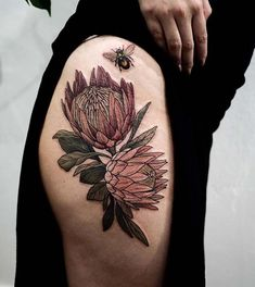 21 Cute Bumble Bee Tattoo Ideas for Girls - crazyforus Hip Tattoo Designs, Flower Tattoo Designs, Flower Tattoos, Bee And Flower Tattoo, Cover Up Tattoos, New Tattoos, Tatoos, Thigh Tattoos, Tattoos Lindas