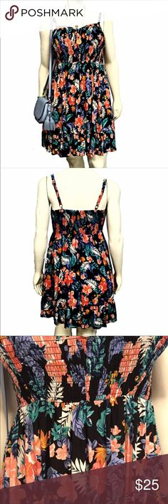 ✨Women's floral sundress NWOT Perfect Condition Women's Floral Printed sundress from torrid. Sweet heart neckline, adjustable straps. Rushed, stretchy, flattering bust. Pull over, No Zipper. Torrid size 1 Which equals a 1X. 🚫No Trades🚫 Torrid Dresses Midi