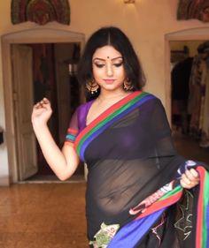 Beautiful Saree, Beautiful Gorgeous, Beautiful Outfits, Indian Beauty Saree, Indian Sarees, Saree Models, Indian Models, India Beauty, Sexy Curves