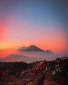 Brown Aesthetic, Sky Aesthetic, City Photography, Nature Photography, Monte Fuji, Camping Aesthetic, Sunset Quotes, Blackpink Photos, Cool House Designs