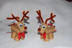 Add some holiday cheer to your Christmas tree with these wine cork reindeer ornaments. Also, a perfect accent on a holiday package or attached to a bottle of wine for the holiday host.  Each reindeer measures approximately at 4.5 Inches tall, 1.5 Inches wide and, 3.5 Inches from nose to tail.