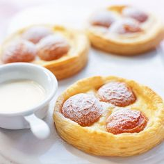 Try our apricot galette recipe and more mouthwatering dessert recipes at Red Online. Easy Dinner Party Desserts, Summer Desserts, Easy Desserts, Dessert Recipes, Dessert Tarts, Dinner Parties, Apricot Galette Recipe, Apricot Recipes, Sweet Recipes