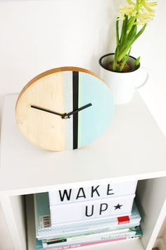 DIY Challenge, Upcycling mit Washi Tape, Uhr aus Holz von Gingered things