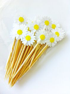12 Wedding White DAISIES Party Picks / Cupcake Toppers / Cocktail Sticks on Etsy, $1.95