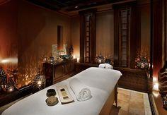 Dubai resort spa massage room