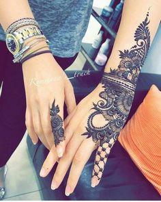 Mehndi is something that every girl want. Arabic mehndi design is another beautiful mehndi design. We will show Arabic Mehndi Designs. Modern Mehndi Designs, Mehndi Design Pictures, Mehndi Designs For Girls, Mehndi Designs For Fingers, Beautiful Mehndi Design, Arabic Mehndi Designs, Mehndi Patterns, Mehandi Designs, Tribal Henna Designs