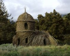 Patrick Dougherty- Call of the Wild.  Museum of Glass à Tacoma, WA, 2002