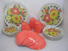 Hey, I found this really awesome Etsy listing at https://www.etsy.com/listing/294453717/vintage-maplex-melmac-flower-plates-cups