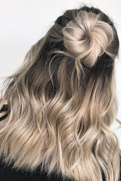 Mushroom Blonde Hair Is Everything You Need This Winter—Here.-Mushroom Blonde Hair Is Everything You Need This Winter—Here Are 15 Gorgeous Examples to Show Your Stylist Creamy Blonde ombre half up half down bun - Blond Ombre, Ombre Hair Color, Ashy Blonde Hair, Ombre Hair For Blondes, Dark Brown Blonde Balayage, Blonde Ombre Hair Medium, Blonde Hair Outfits, Blonde Dark Roots, Hair Buns