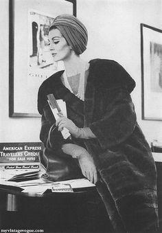 Harper's Bazaar Nov 1960    Model Carmen Dell Orefice