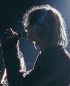 Awesome profile of Kurt Cobain live at the Paramount