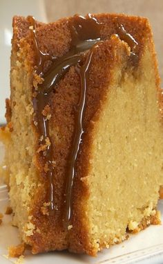 Brown Sugar Bundt Cake Brown Sugar Bundt Cake is a delicious and simple cake with big brown sugar flavor. Brown Sugar Pound Cake, Brown Sugar Cakes, Sweet Recipes, Cake Recipes, Dessert Recipes, Yummy Recipes, Recipies, Cupcakes, Cupcake Cakes