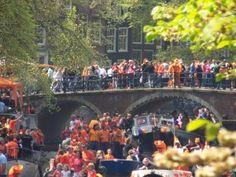 Le Koninginnedag : l'anniversaire de la reine à Amsterdam (Pays Bas).