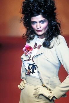 Dedicated to supermodel Helena Christensen. All content belong to the original creators and publishers. Runway Fashion, Fashion Models, High Fashion, Danish Fashion, Helena Christensen, Beauty Queens, Vivienne Westwood, Editorial Fashion, Supermodels