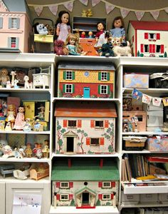 Corey Moortgat - Collage Artist: More Dollhouse Stories Check out her website! Vintage Dollhouse, Dollhouse Dolls, Miniature Dolls, Vintage Dolls, Dollhouse Miniatures, Vintage Air, Victorian Dollhouse, Modern Dollhouse, Miniature Houses