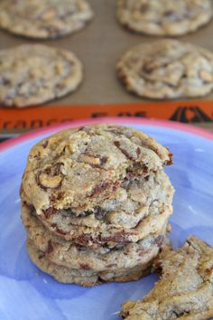 LOVE THESE! Peanut Butter Cup Oatmeal Cookies 2