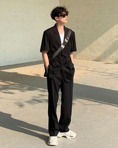 Male Urban Fashion, Stylish Mens Fashion, Korean Fashion Men, Korean Men, Boy Fashion, Old School Fashion, Layering Outfits, Casual Street Style, Men Casual