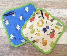 ...akkor vesd be ezeket a vidám pancsikendőket! Lajháros és zöldséges-gyümölcsös mintákkal bővült nemrégiben a kínálatunk! 🦥🥕🍎 Pot Holders, Marvel, Hot Pads, Potholders