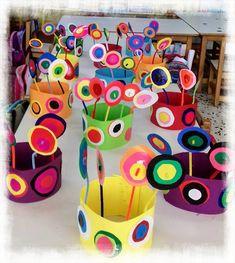 παιχνιδοκαμώματα στου νηπ/γειου τα δρώμενα: Kandinsky και αποκριάτικα καπέλα !!! Kandinsky For Kids, Kandinsky Art, Space Crafts For Kids, Diy For Kids, Easy Crafts, Arts And Crafts, Paper Crafts, Famous Artists For Kids, Primary School Art