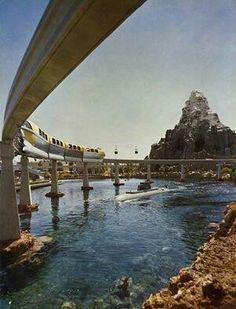 .Monorail, lagoon, Matterhorn