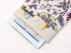 Ipad case with flowers pocket. Linen natural handmade ipad sleeve cover
