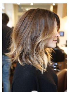 Half long hair.. Ombre color.. Very nice!