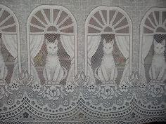 VINTAGE white lace net cat curtain 1 wide panel