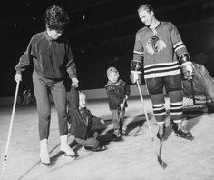 """Bobby Hull and Family.via Alexia Karman's """"hockey love"""" board) Bobby Hull, Hockey, Google Search, Board, Life, Field Hockey, Planks, Ice Hockey"""