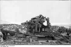 German coastal battery.  21 cm K39/40 Skoda cannon , maximum range 30 km. Norwegen  1941