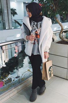 Street Hijab Fashion, Arab Fashion, Muslim Fashion, Girl Fashion, Hijab Collection, Alexandra Golovkova, Asymmetrical Tops, Mode Hijab, Latest Outfits